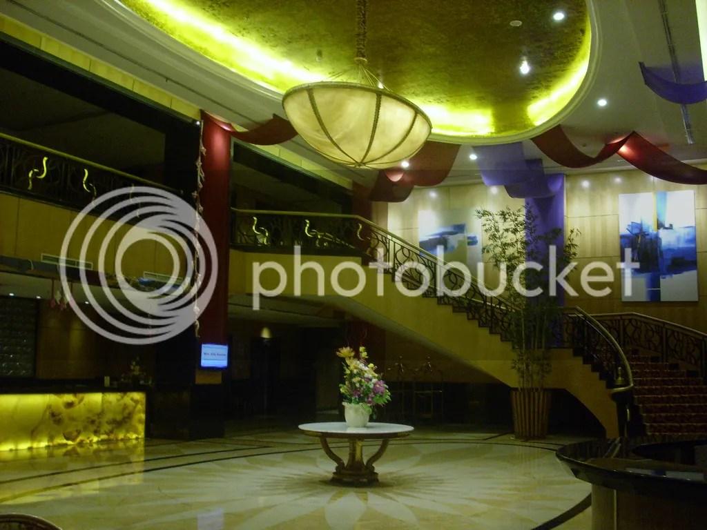 Lobi dalam hotel Ambacang, Sekarang hancur lebur menyisakan tangis