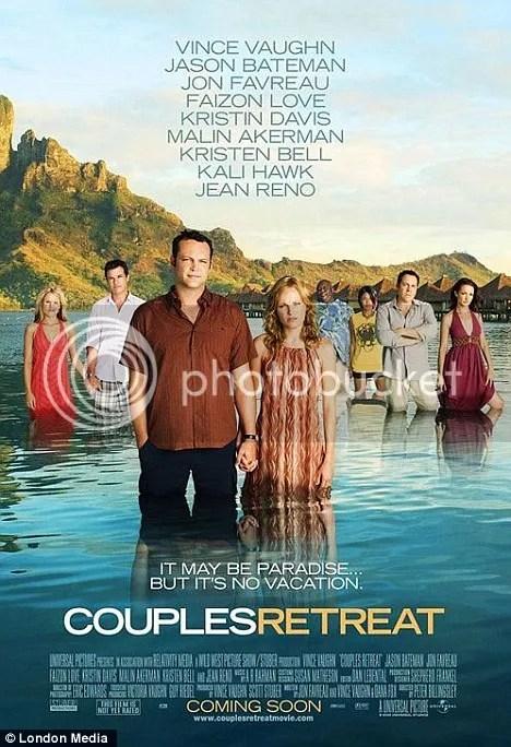 """Inilah poster film """" Couple Retreat""""  versi asli yang terdiri dari 4 pasang muda mudi (8 orang)"""