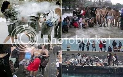 Foto-foto perayaan wisuda para mahasiswa dan mahasiswi sambil bertelanjang massal beredar di internet