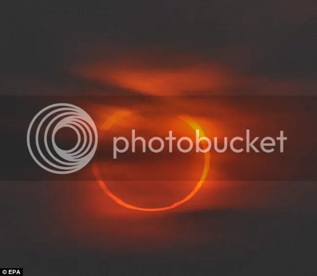 Foto-foto indah gerhana matahari cincin 15 Januari 2010