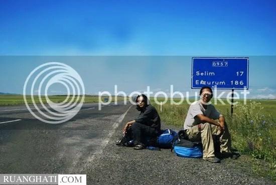 Kisah sejati, perjalanan cinta sepanjang 16 ribu km untuk bertemu kekasih, Beijing- Berlin