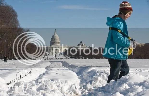"""badai salju di amerika dan eropah"""