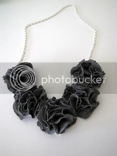 photo fabric-flower-necklace_zpsb32f4988.jpg