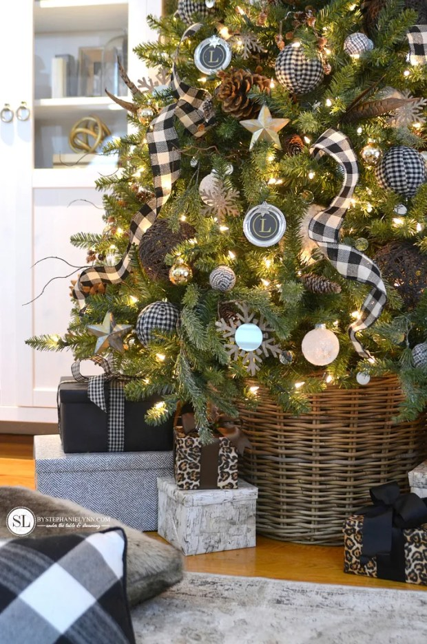 How Perfect Is This Christmas Tree Decor By Stephanie Lynn I Just Adore She Incorporated Black White Buffalo Check Throughout The Ribbon Of Her