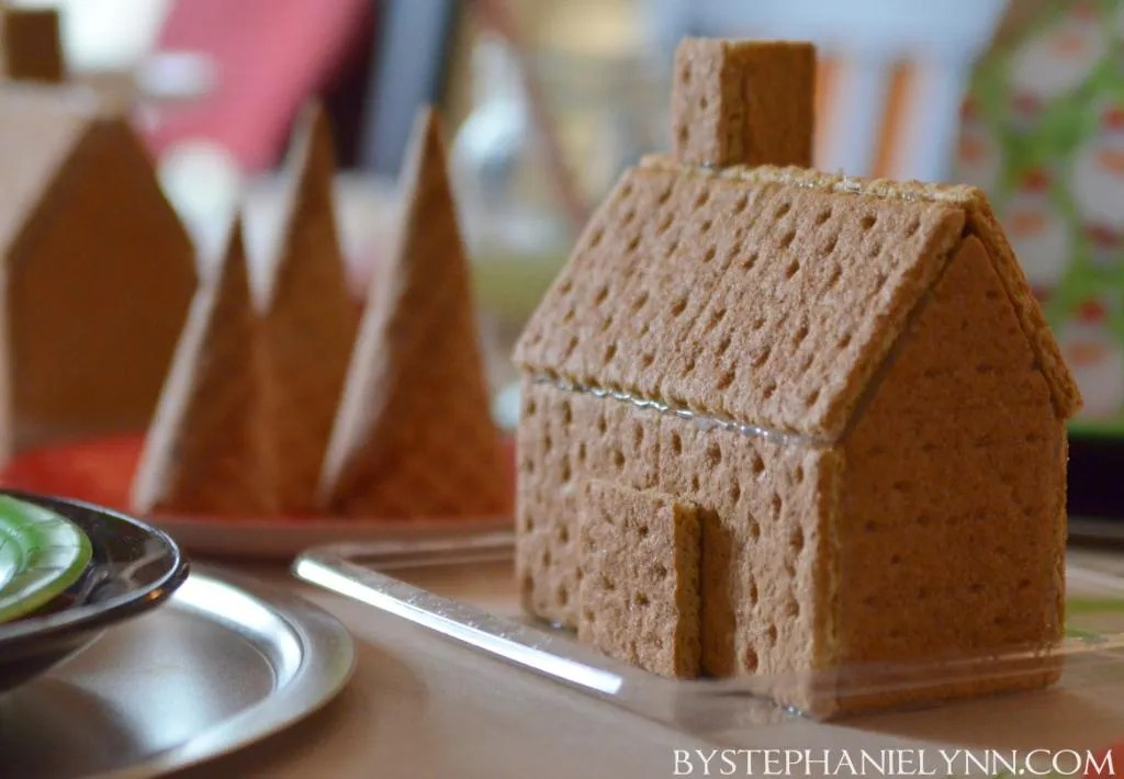 Decorating Graham Cracker Gingerbread Houses House Interior