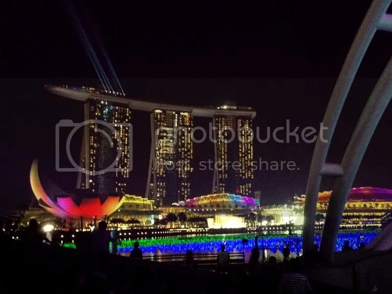 Marina Bay looks gorgeous during New Year's Eve