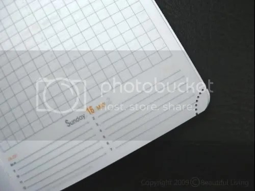 Tear-off corners on the planning pages are used rather than a ribbon book mark to keep your palce. Once a day has passed, just tear off the corner. This will enable you to thumb to the current day.