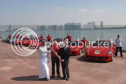 Largada do revezamento, em Abu Dhabi