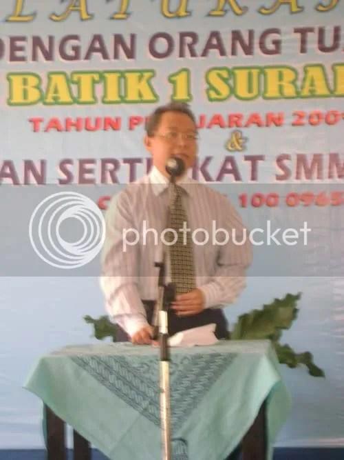 Kasubdit Kelambagaan SMA Depdiknas menyampaikan sambutannya dalam penyerahan Sertifikat ISO dan Penunjukkan SMA batik sebagai PAS Cluster