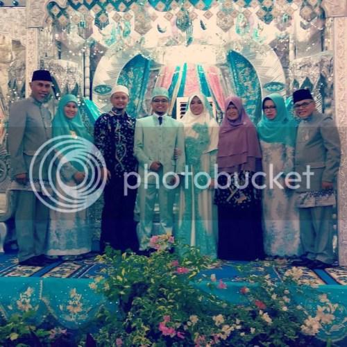 Menghadiri pernikahan Shofia Shabrina, putri Buya Mahyeldi, Walikota Padang.