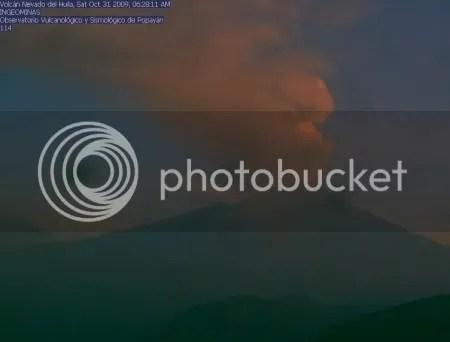 Nevado del Huila, 31 October 2009 (INGEOMINAS webcam image)