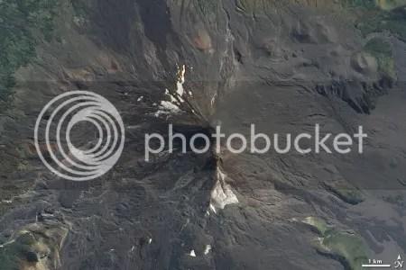 Eruption from Llaima volcano, Chile (NASA image, 16 April 2009)