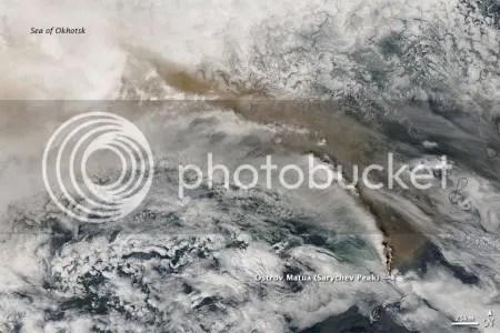 Sarychev Peak volcano, 16 June 2009 (NASA Aqua image)
