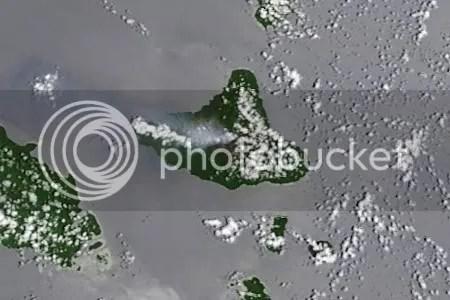 Ambrym volcano, Vanuatu, 3 December 2009 (NASA MODIS image detail)