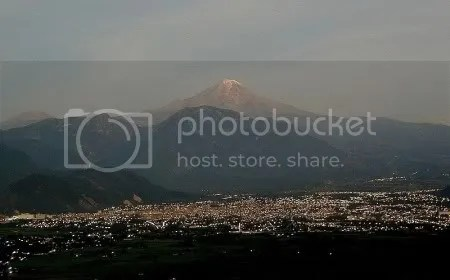 Pico de Orizaba volcano, Mexico (picture by David Tuggy, Creative Commons license)