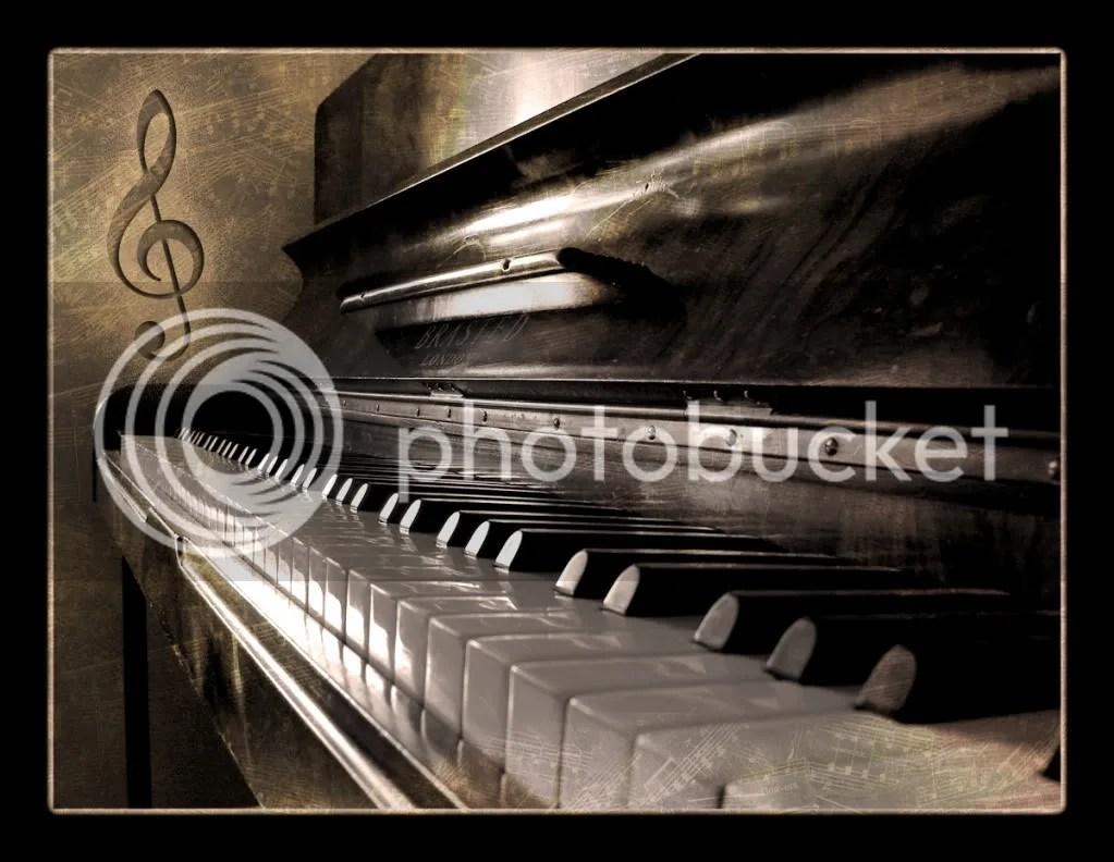 piano photo: piano Piano_by_TheDigitalVee.jpg