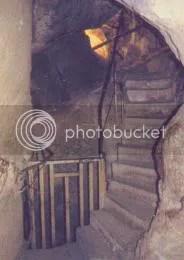 Tapones de granito que impiden subir por el canal ascendente