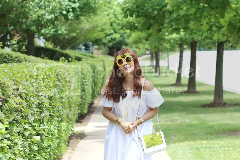 photo cotton-off-shoulder-dress-pineapple-sunglasses