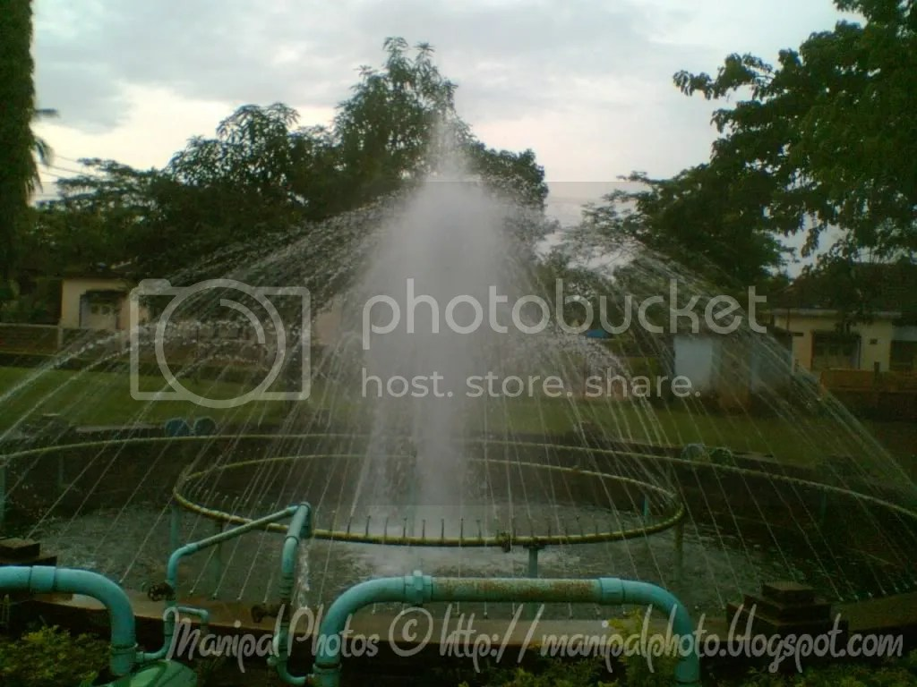 Fountain outside the venugopal temple at manipal