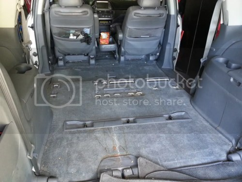 small resolution of 1 fold down the rear seats flat and remove the center seats you can