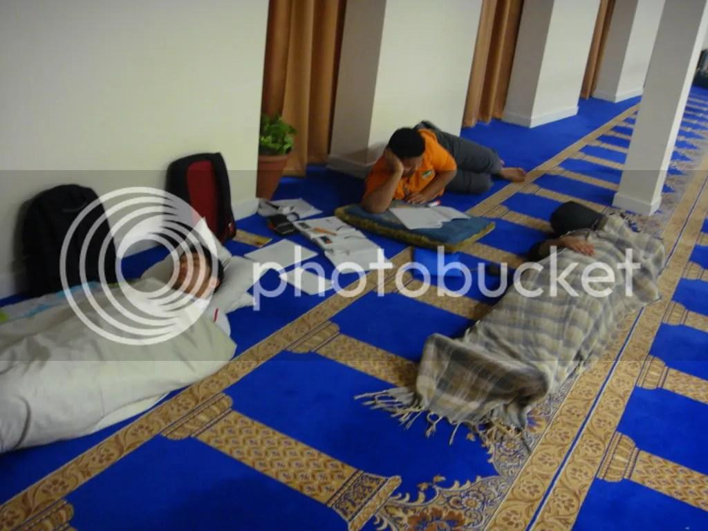Aktiviti Malam semasa Musim Exam - bersedia untuk Qiam :p