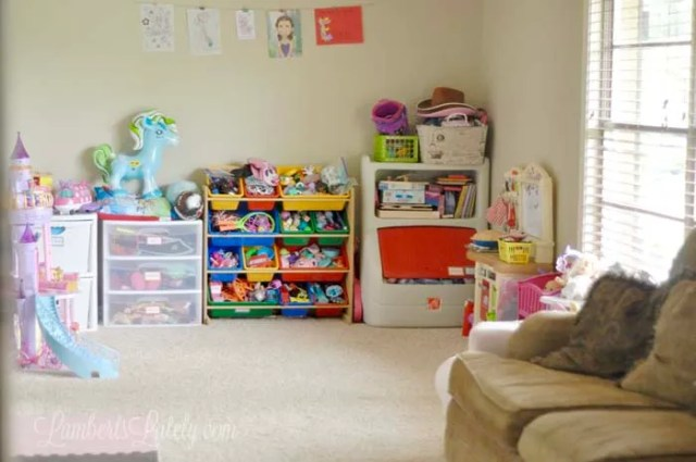 These are great ideas for how to organize a playroom! She has a few cheap & DIY solutions too. Great ways to clean a messy space...even storage ideas that can be accomplished on a budget!