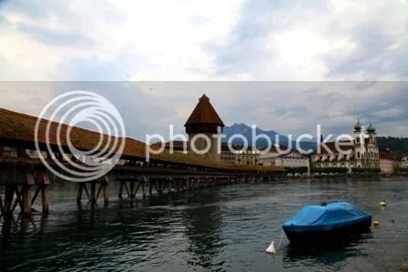 Jembatan Kayu di Danau Luzern