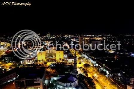 Batam (arah Nongsa) 01, Roof Top, Planet Holiday, Batam, tanggal 17 November 2011, pukul 22.00 WIB