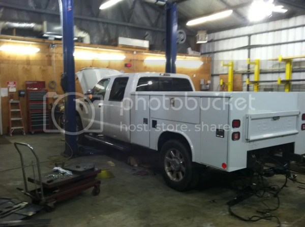 F250 short bed with a service body Pirate4x4Com 4x4