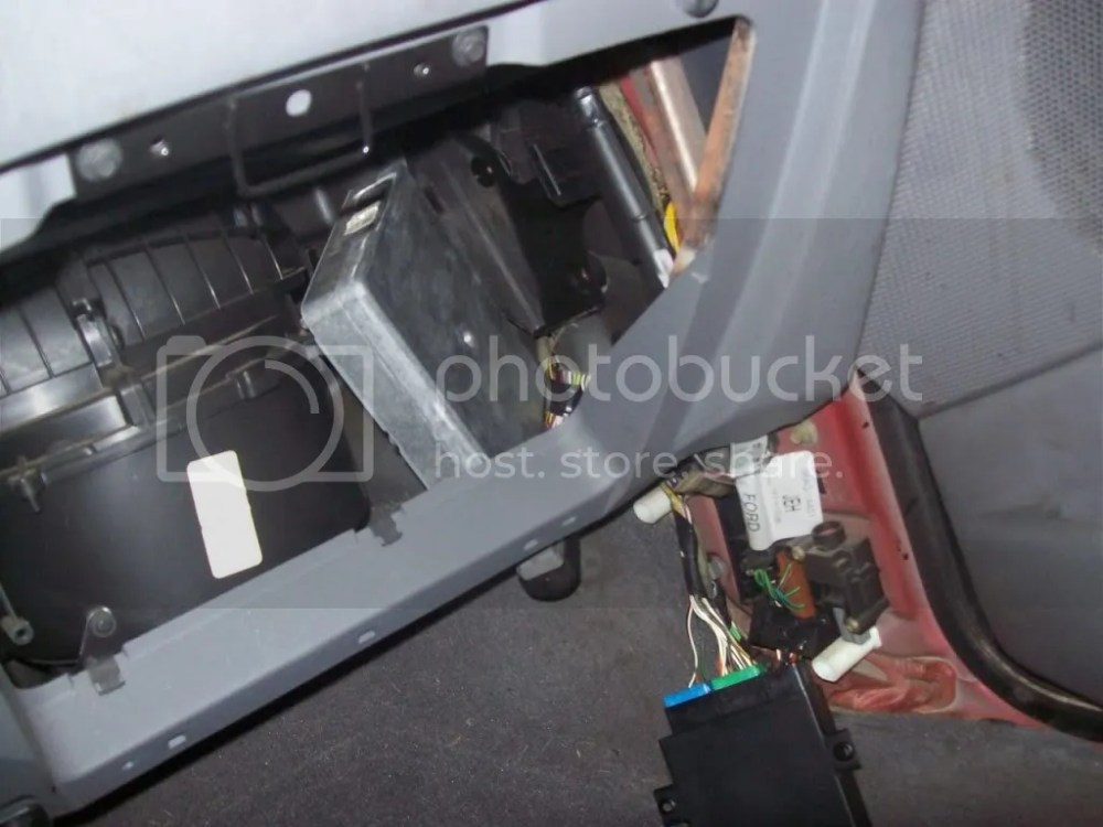 medium resolution of 2008 taurus fuse box location