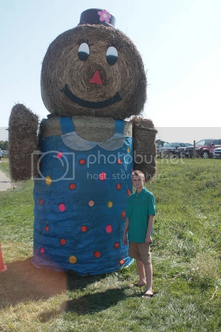 The Imaginative one with the hay bale statue. photo IMG_6465_zpsoxw6qxsg.jpg