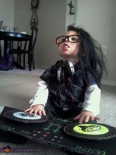 22 of the most amazing DIY kids Halloween costumes that definitely warrant extra treats  Cool