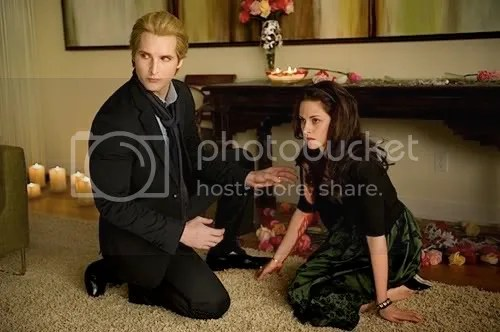 new-moon-facinelli-21.jpg Carlilse Cullen and Bella Swan picture by criticalcorner1