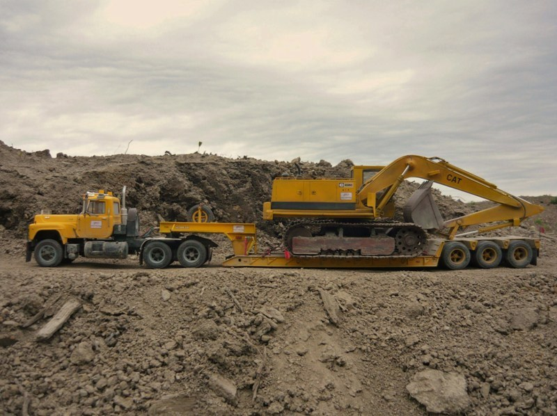 Mack R700 Which Lowboy 55 T Loaded Cat 235c Pounds