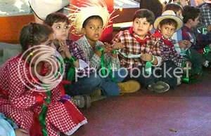 Crianças na Festa Junina