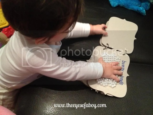 Baby and toddler sensory books - easy DIY books for kids to explore color and texture