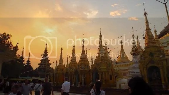 photo Shwedagon 1_zpsmx60bk65.jpg