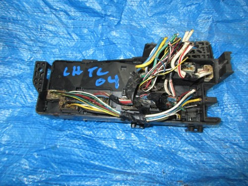 small resolution of 2004 acura tl under hood fuse box