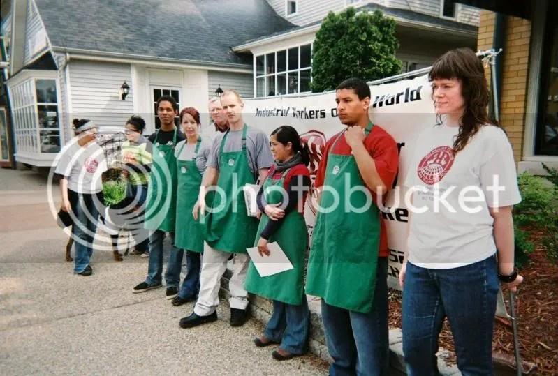Starbuckworkersgrandrapids.jpg picture by adam_freedom