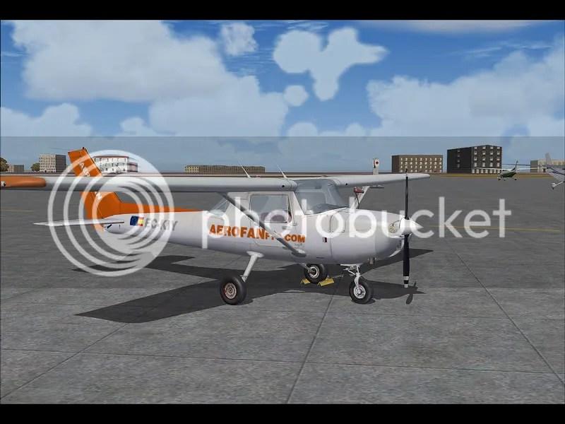 Cessna C150 En Parking