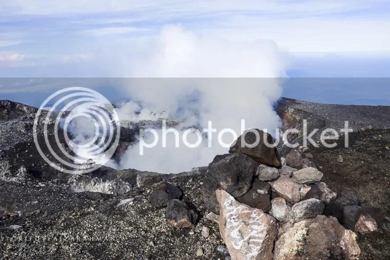 Kawah aktif di puncak Gunung Slamet