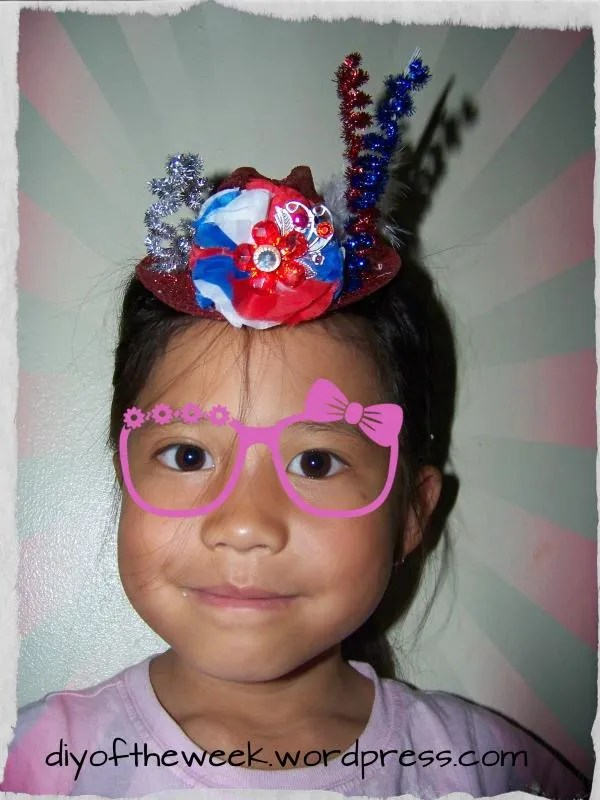 4th of july diy tophat, patriotic tophat diy,flower frill diy