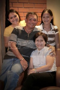 Chito & Junith with daughters Ehlaiza (left) and Eugeremi (right)