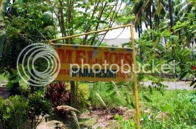Meljoi's Signage