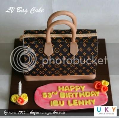 cake tas LV bandung