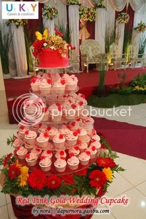 Wedding cupcake red pink bandung