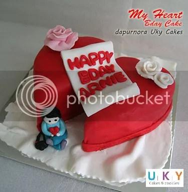 romantic birthday cake bandung