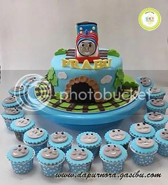 birthday cake thomas bandung