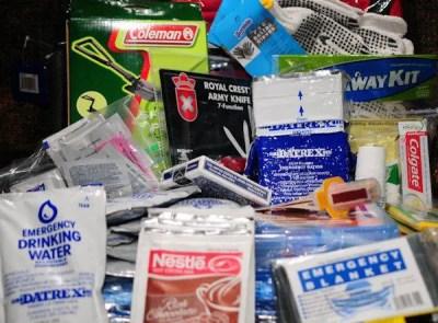 "bug out bag photo: Sample, one type of ""starter"" bug-out emergency bag. 1236560_421340014650198_919934585_n.jpg"