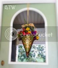 iSavor the Weekend: Seasonal Front Door Deco